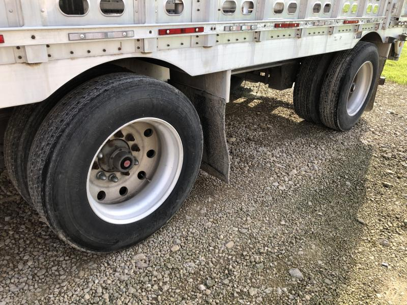 "2002 Wilson 53'x102""x13'5"" Drop Floor Livestock Semi Trailer"