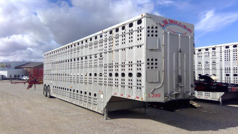 Used 2013 Merritt 48' Livestock Semi Trailer  Pot Livestock-Semi in Ashburn, VA