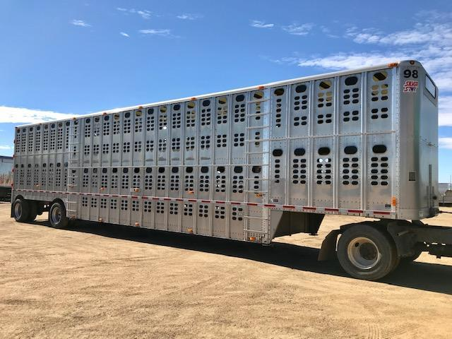 2014 Wilson 52' Spread Livestock -Semi in SD