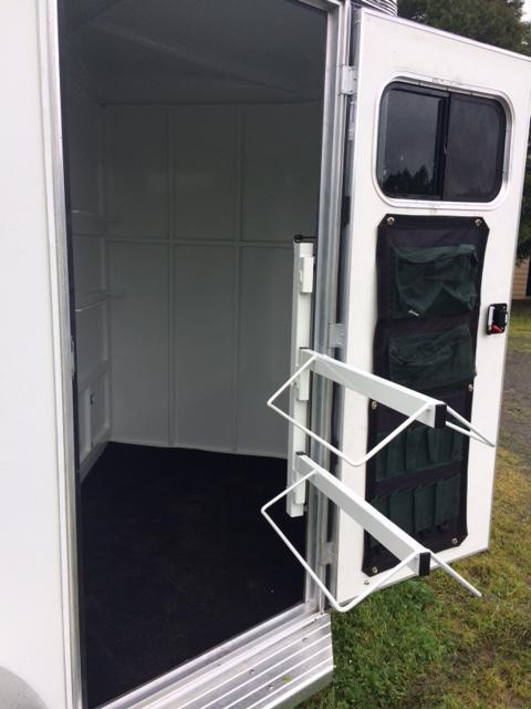 2020 Thuro-Bilt 2H Liberty Horse Trailer WARMBLOOD LR200088