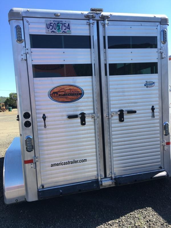 2016 Sundowner Trailers 2H SPORTSMAN HORSE TRAILER