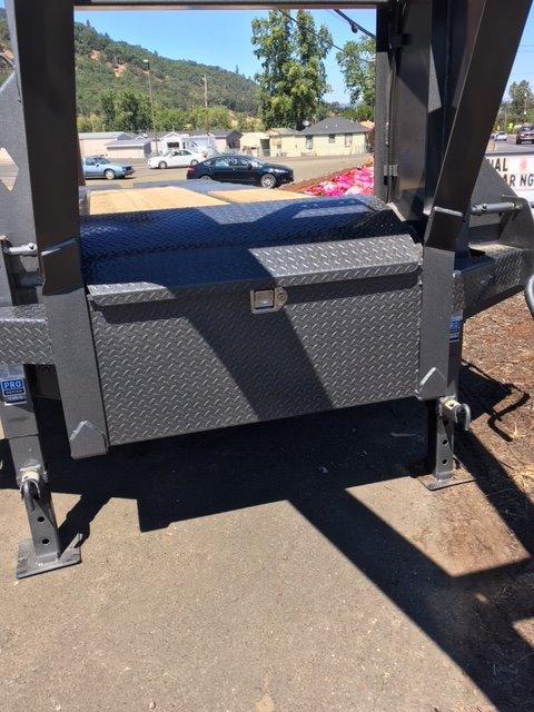 2019 Diamond C Trailers fleetneck gooseneck 25K equipment trailer