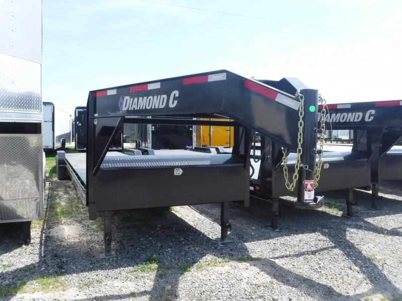 2019 Diamond C Trailers 82x36 36ft Black Gooseneck 2019 MVC207 Flatbed Trailer