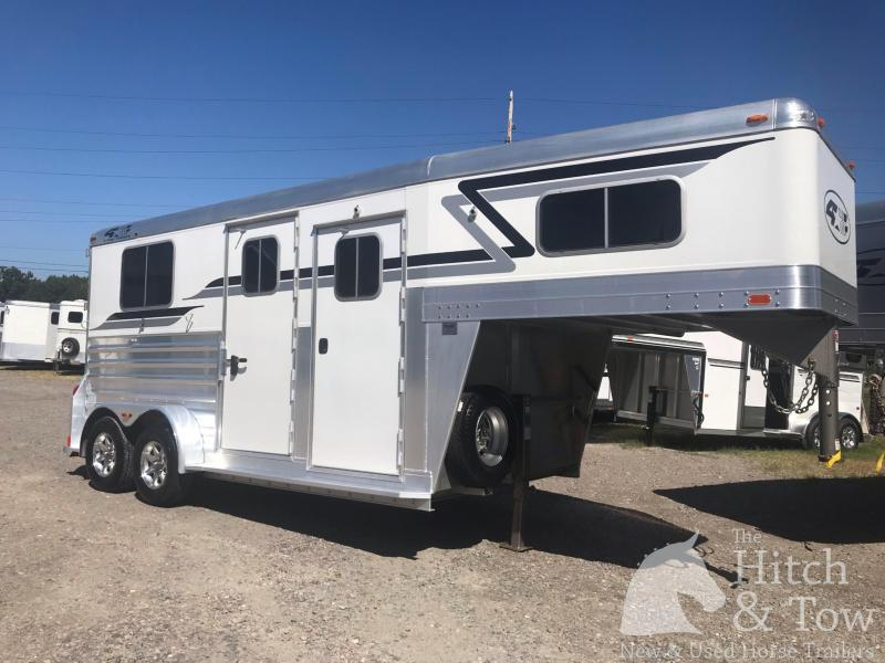 2016 4-Star Trailers 4 Star Horse Trailer