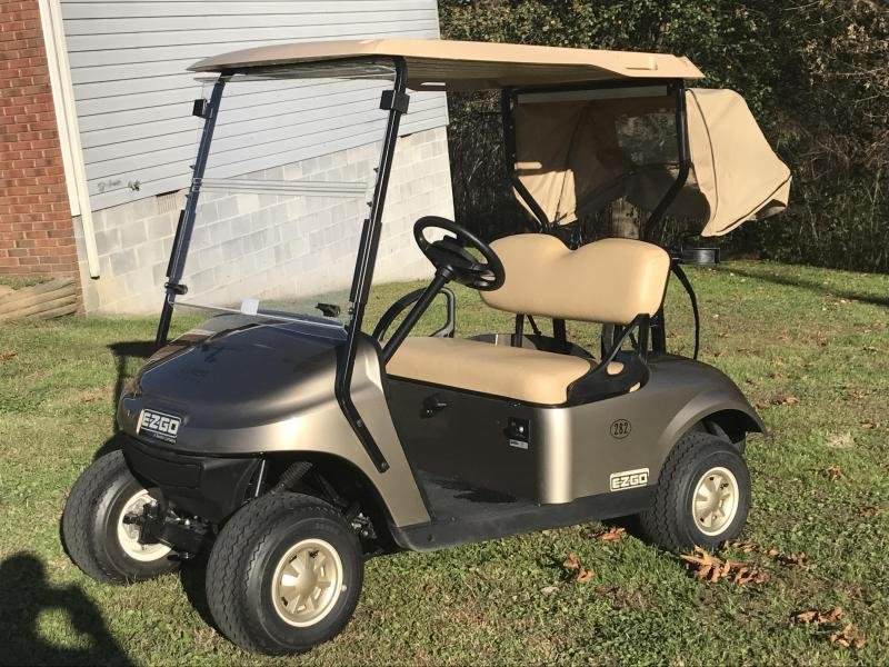 2017 E-Z-GO TXT Golf Cart