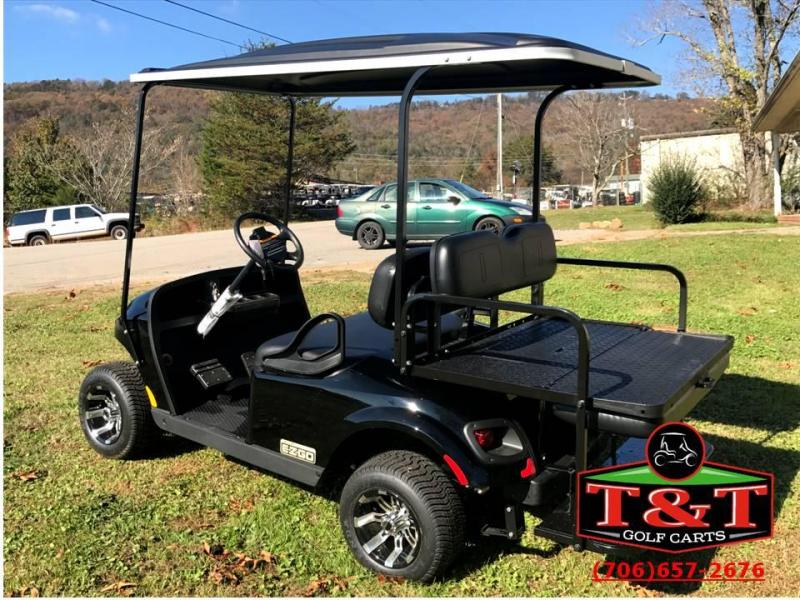 2017 E-Z-GO VALOR GAS Golf Cart