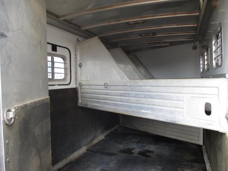 2001 Featherlite 8543 Horse Trailer