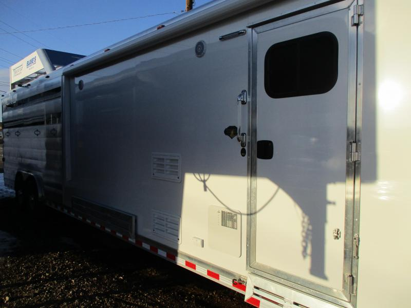 2018 Twister Stock Combo LQ Livestock Trailer