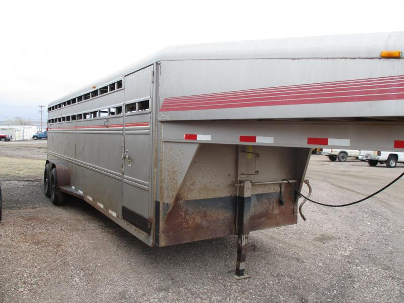 1998 Featherlite Stock trailer Livestock Trailer 7 X 24