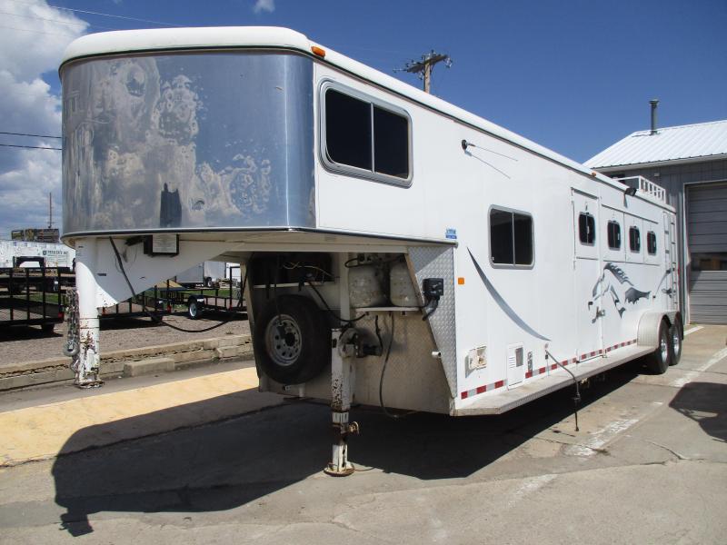 2004 Logan Coach 4 Horse Horse Trailer