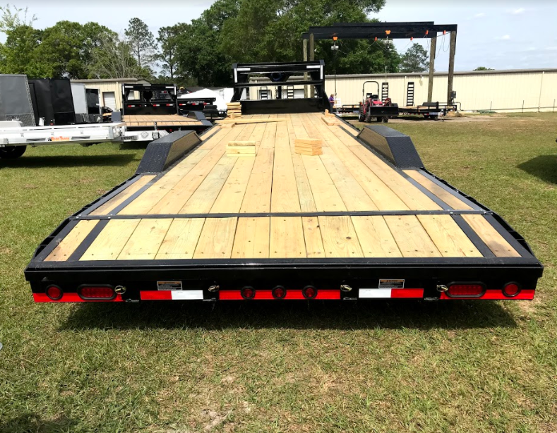 2018 Load Trail 102x32 Gooseneck Equipment Equipment Trailer