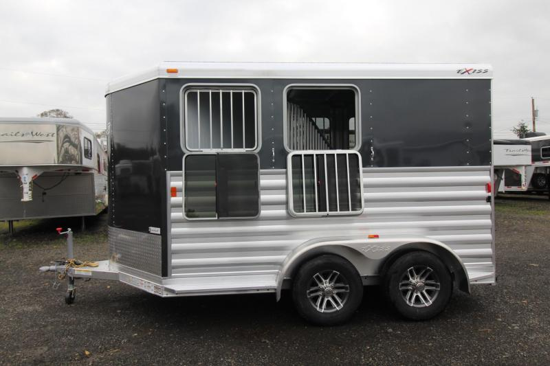 2018 Exiss Express XT - Jail bar divider W/ Pads - Polylast Flooring - Carpeted Tack Wall - 2 Horse Trailer