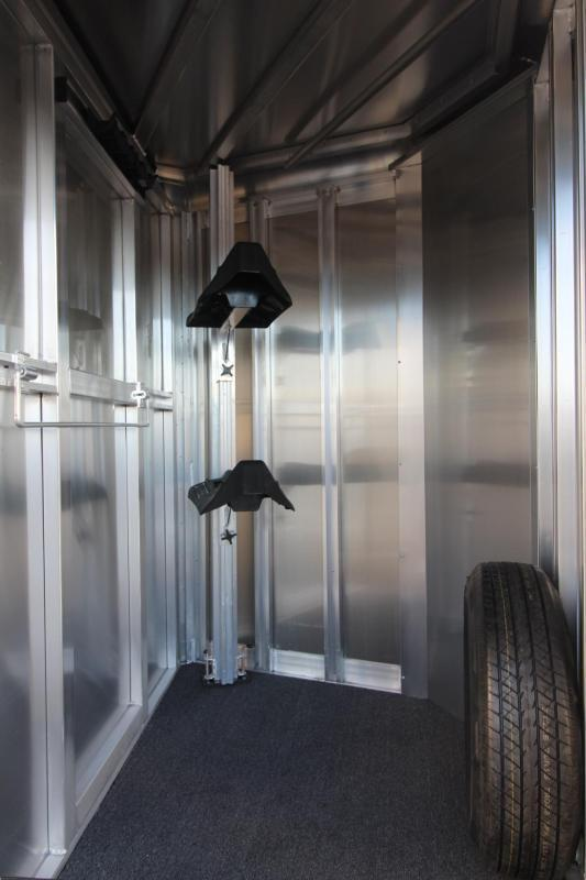 2018 Exiss Express CXF 2 Horse Trailer W/ Plexi inserts - Jail Bar Dividers Drop Down WIndows PRICE REDUCED $500