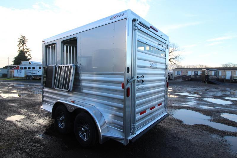 2018 Exiss Express CXF 2 Horse Trailer W/ Plexi inserts - Jail Bar Dividers Drop Down Windows PRICE REDUCED $1000