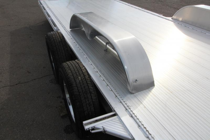 2019 Featherlite 3182 - 20 ft - All Aluminum - Car / Racing Trailer - With Ramps