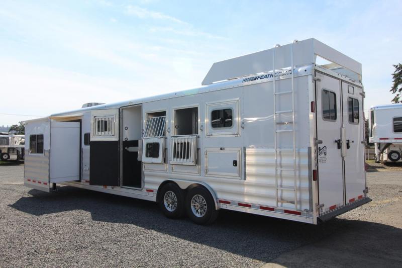 2018 Featherlite 9821 - Liberty Legend 15ft Living Quarters 4 Horse Trailer Slide Hayrack Sofa & Dinette