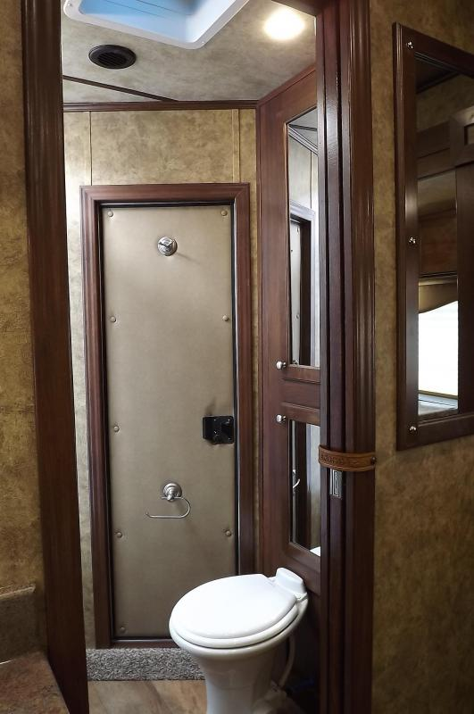 2017 Exiss Escape 7410 Dinette- Electric Awning-Lower Stud Panel- Solid Wood Cabinets & Doors - 10' SW - 4 Horse Living Quarters Trailer PRICE REDUCED