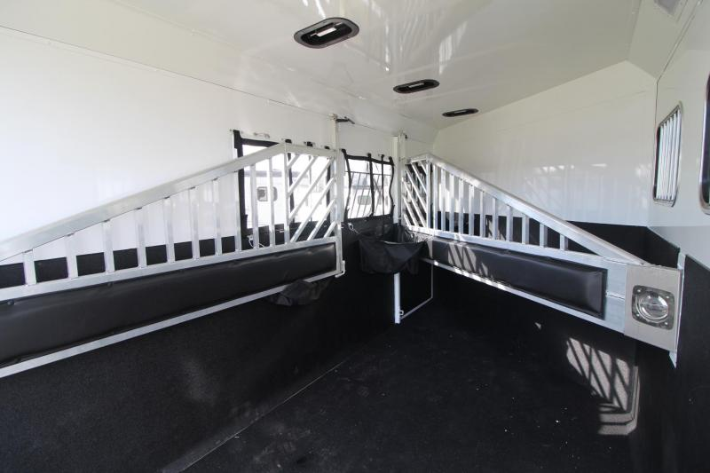 """2018 Trails West Sierra Select 3 Horse Trailer 7' 6"""" Tall - Seamless Aluminum Vacuum Bonded Walls & Roof - Insulated"""