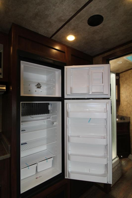 2019 Exiss 8316 - 3 Horse - 16' SW LQ w/ Slide Out All Aluminum Horse Trailer - Dinette and Sofa!