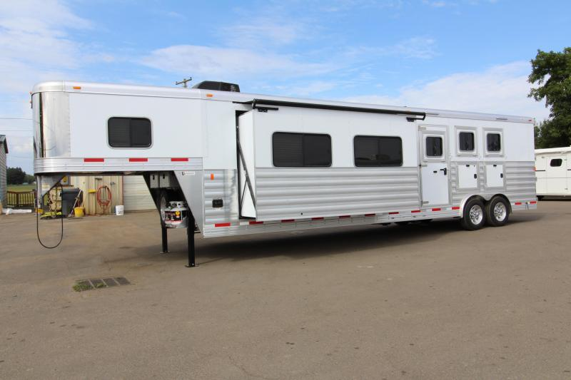 2019 Exiss 8416 - 3 Horse - 16' SW LQ w/ Slide Out All Aluminum Horse Trailer - Dinette and Sofa!
