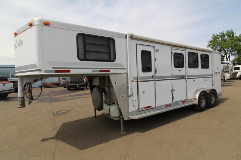 2003 Silver Lite Patriot 6 SW 3 Horse Horse Trailer