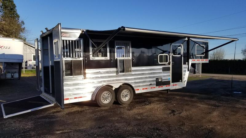 2016 Kiefer Custom 6.5' Short Wall Living Quarters LIKE NEW - 3 Horse Trailer - Sierra Interior - Lined and insulated horse area - Ramp and MORE!!
