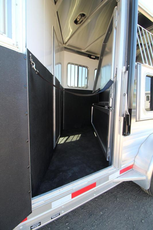 2017 Exiss Escape 7304 - Lower Divider panel -  Electric awning - 3 Horse Trailer