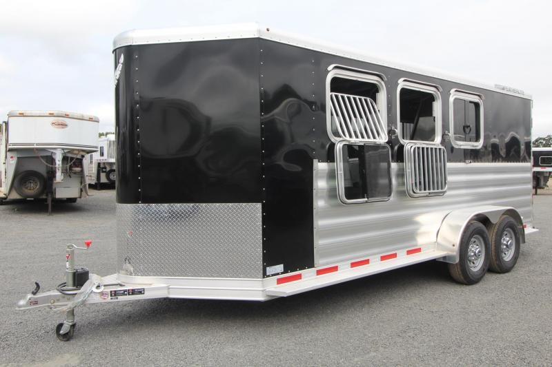 2018 Featherlite 9409 - PRICE REDUCED $1750- Rear Tack - Large Dressing Room - 3 Horse Aluminum Trailer