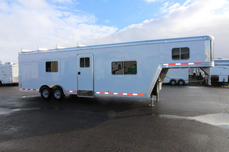 2014 Featherlite 4941 26 Toy Hauler - Custom Trailer - Set for Living Quarters - Unique Trailer Check It Out!  in Bagdad, AZ