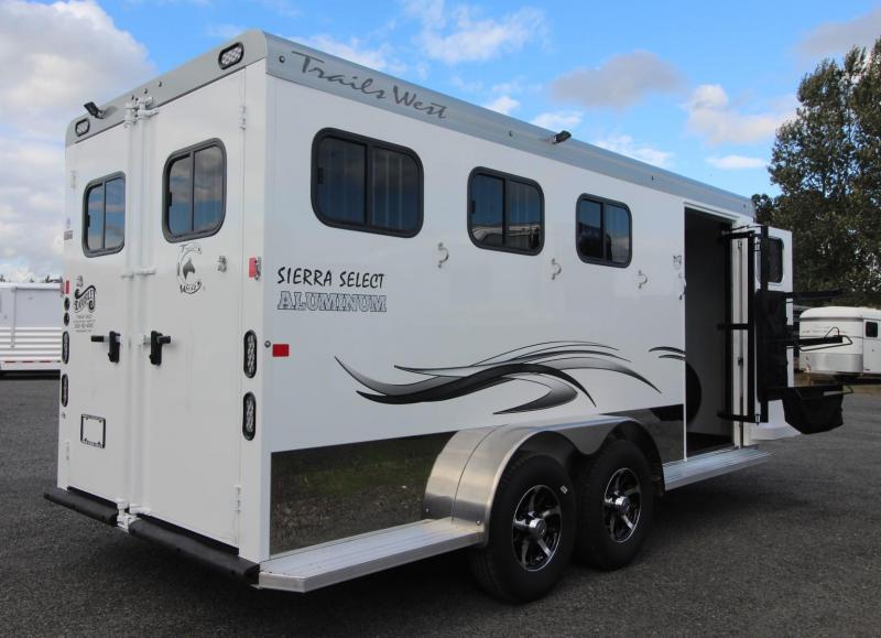 2019 Trails West Sierra Select 3 Horse Trailer - Escape Door - Seamless aluminum vacuum bonded walls and ceiling
