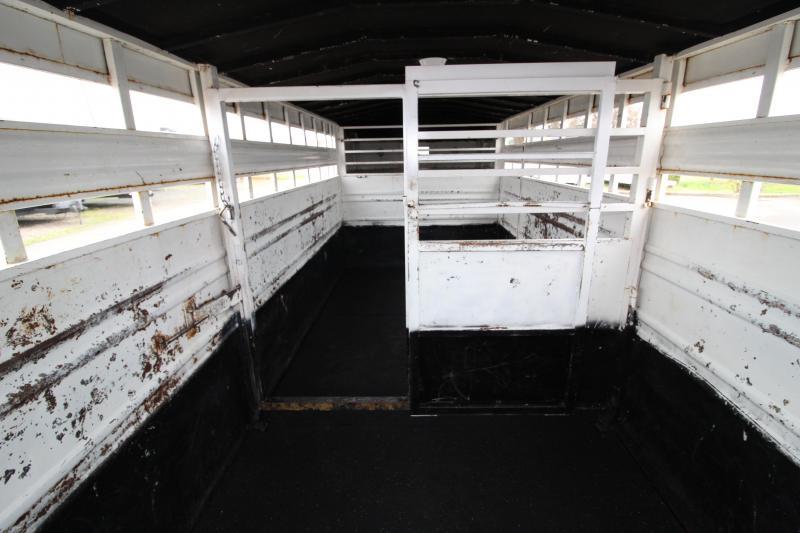 1994 Titan Trailers 20 ft Stock Livestock Trailer - Center Gate with Slider - Rear Gate with Slider - Rubber Floor Mats