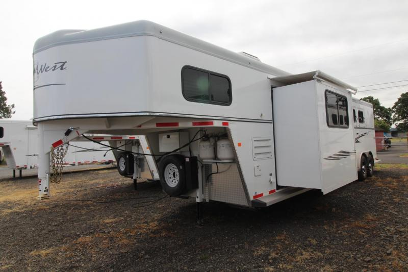 2017 Trails West Sierra 10x15 LQ LIKE NEW 4 Horse Trailer