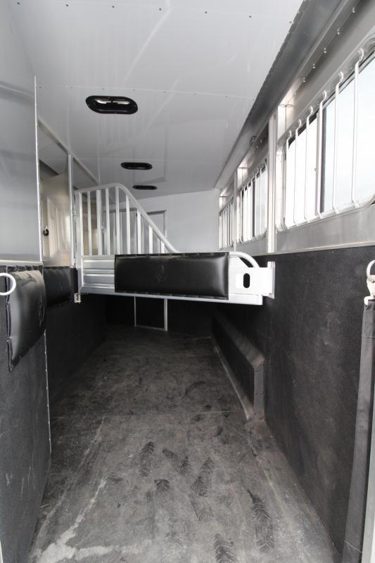 2017 Featherlite 8542 - 9 ft LQ - 3 Horse - Mangers - All Aluminum Horse Trailer - 7'6 PRICED $500 BELOW OUR COST!