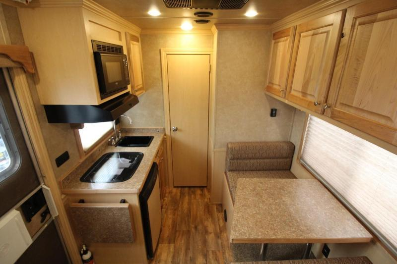 NEW 2017 Featherlite 8542 - 9 ft LQ - 3 Horse - Mangers - All Aluminum Horse Trailer - 7'6 PRICED BELOW OUR COST!