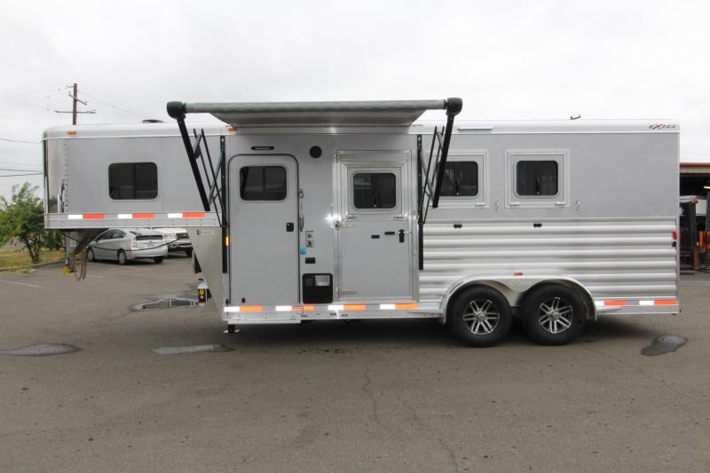2018 Exiss Escape 7304 - 4.5ft SW Living Quarters 3 Horse Trailer - All Aluminum - Upgraded Easy Care Flooring