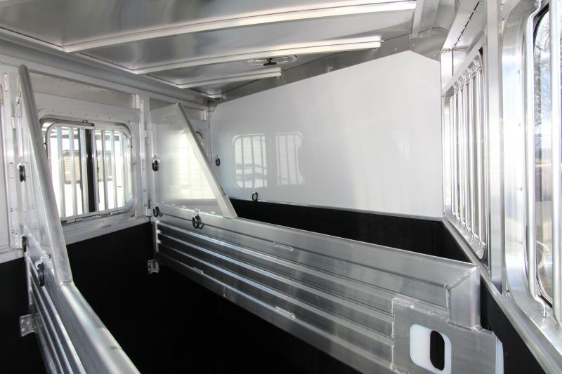 2018 Featherlite 9409 - 3 Horse Trailer - All Aluminum - Champagne Exterior Color PRICE REDUCED TOTAL $1890