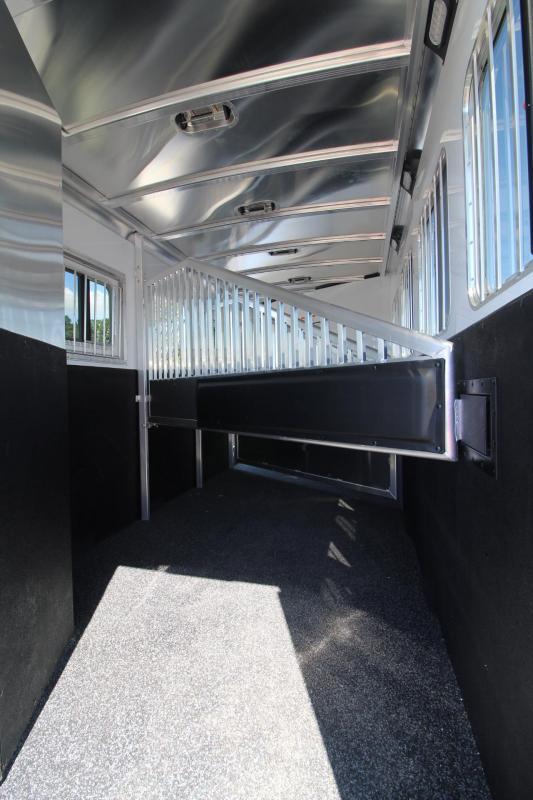 2018 Exiss Escape 7410 - 10' SW Living Quarters 4 Horse Trailer -
