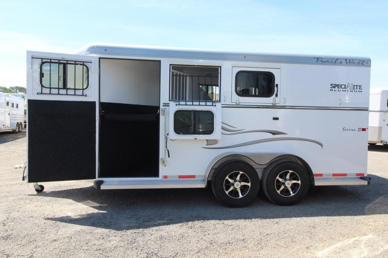 2015 Trails West Sierra II Aluminum Skin 3 Horse Trailer - Insulated Roof - Great Condition