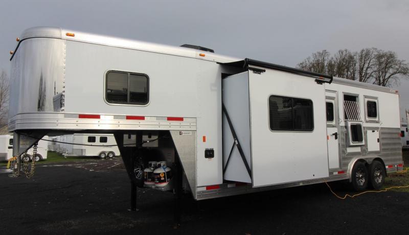 2019 Exiss Endeavor 8310 Living quarters 10ft w/ slide 8' Wide 3 Horse Trailer in WA