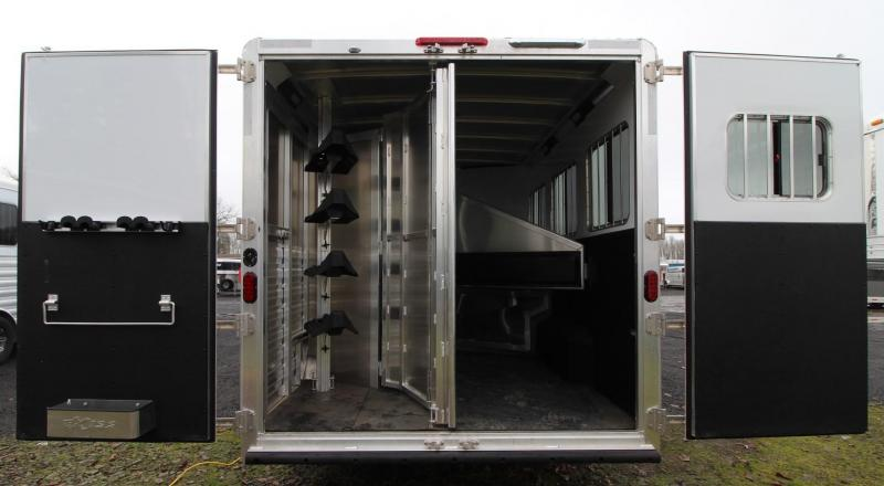 2019 Exiss Endeavor 8310 Living quarters 10ft w/ slide 8' Wide 3 Horse Trailer