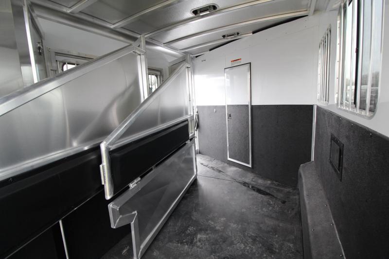 2019 Exiss Endeavor 8310 Living quarters 10ft w/ slide 8' Wide 3 Horse Trailer