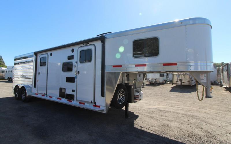 2020 Exiss 7311 CXF 11' Living Quarters 3 Horse Trailer w/ Side Tack