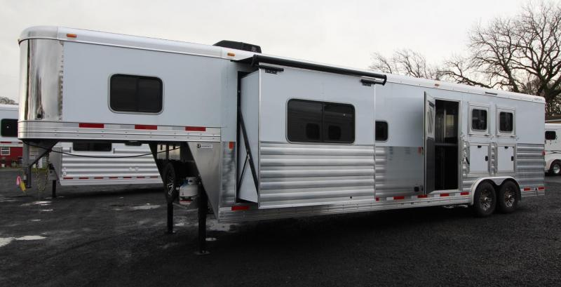 2019 Exiss Endeavor 8314 Living Quarters w/ Slide 3 Horse Aluminum Trailer - Couch & Dinette PRICE REDUCED $1000