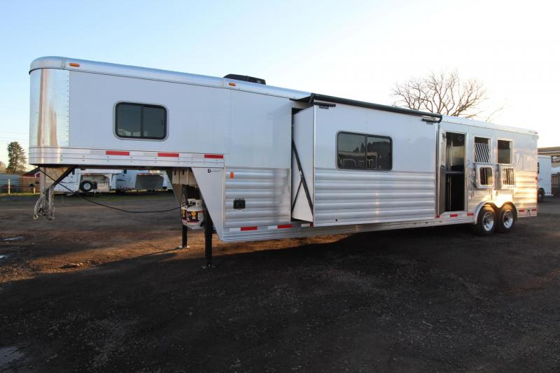 2018 Exiss Endeavor 8316 w/ Slide out 16ft Short Wall LQ - Dinette & Couch - 3 Horse Trailer