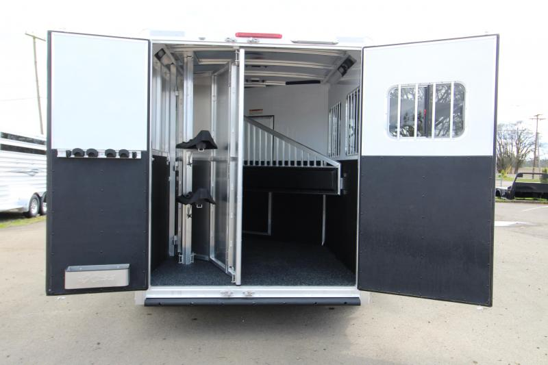 2018 Exiss Trailers 7206 2 Horse 6 ft SW LQ All Aluminum Horse Trailer - Easy Care Flooring - Air Flow Dividers