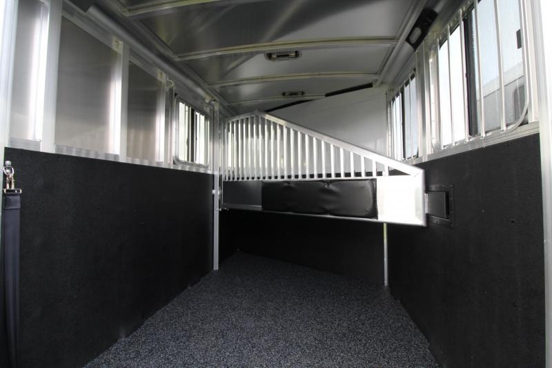 2018 Exiss Express XT - Jail bar divider W/ Pads - Polylast Flooring - Carpeted Tack Wall - 2 Horse Trailer