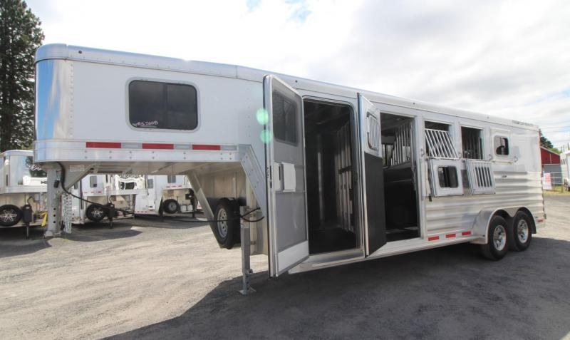 2020 Featherlite 7541 - Aluminum 4 Horse Trailer - LARGE Dressing Room - Rear Tack