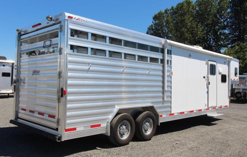 2016 Exiss STC 10ft Living Quarters Horse/Stock Trailer w/ Mid Tack