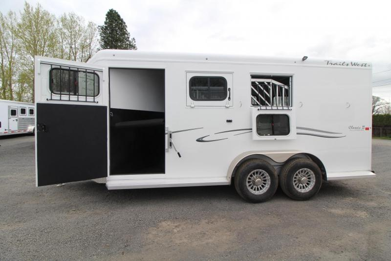 2019 Trails West Classic 3 Horse Escape Door Warmblood Conv. Pkg