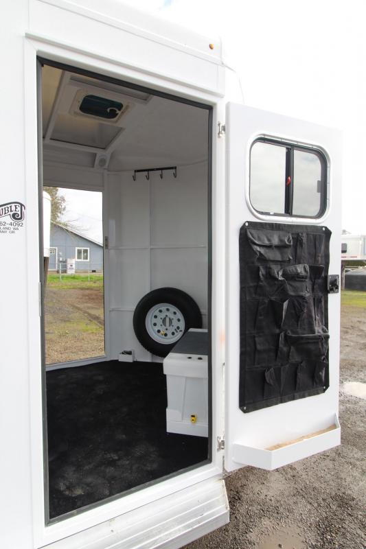 2018 Trails West Royale SxST 2 Horse Trailer - Straight Load - Warmblood - w/ Water Tank